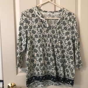 Lucky Brand top green black and cream print LG